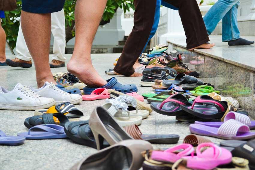 پاها در تایلند بی ادبی نکن