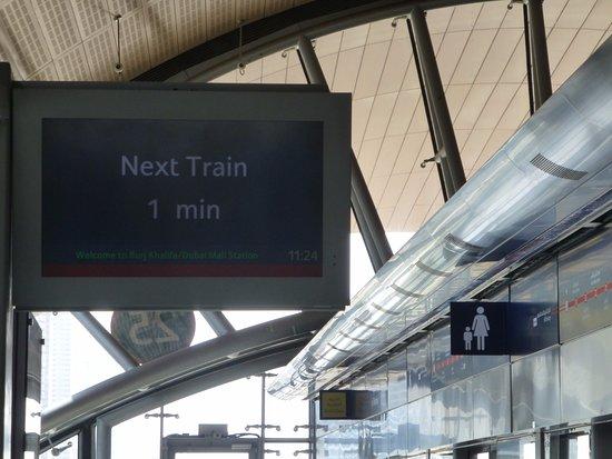 زمان حرکت مترو دبی
