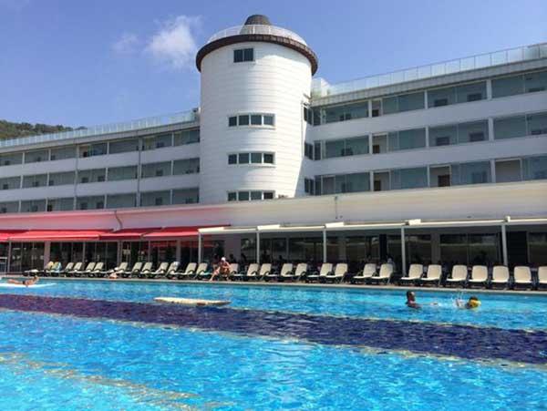 هتل پنج ستاره رویال تاورز ریزورت کمر آنتالیا