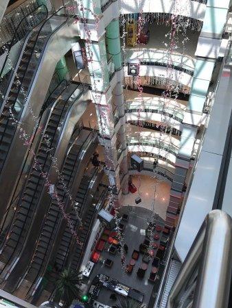 مترو پارک مراکز خرید در باکو