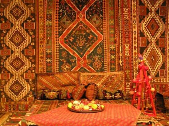 تاریخ موزه فرش باکو