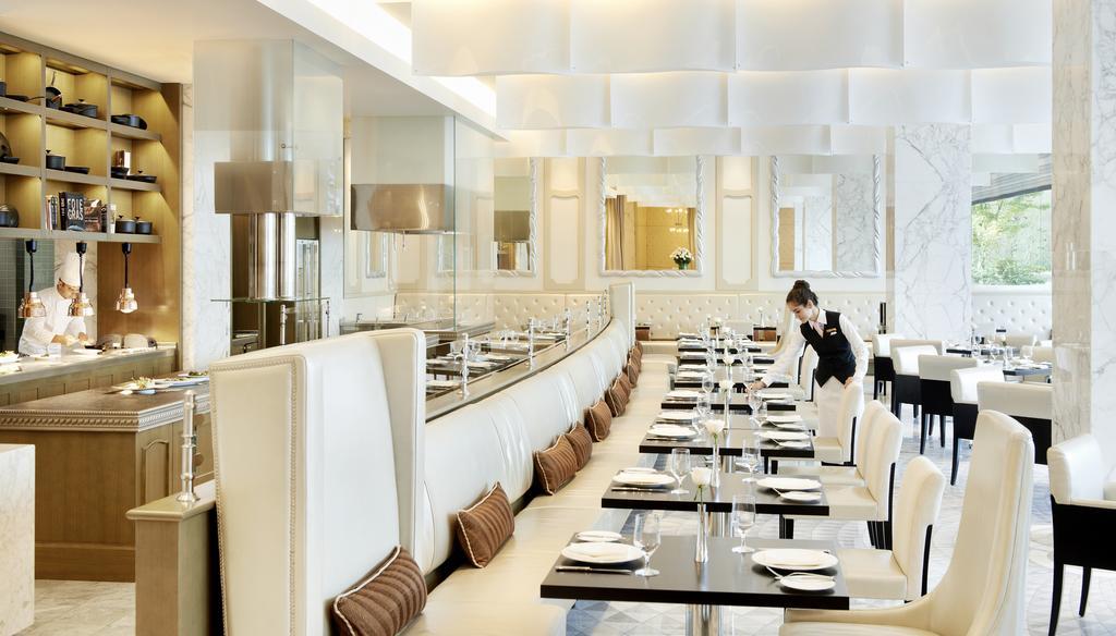 رستوران های هتل فیرمونت باکو