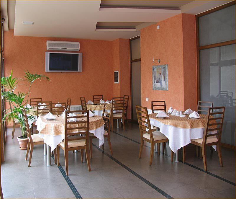 امکانات تفریحی و رستوران های هتل آستین باکو