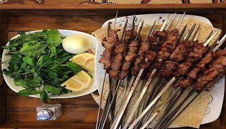 کباب بز و شاورما یکی از بهترین رستوران های قشم