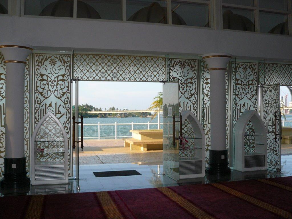نمای مسجد کریستالی مالزی