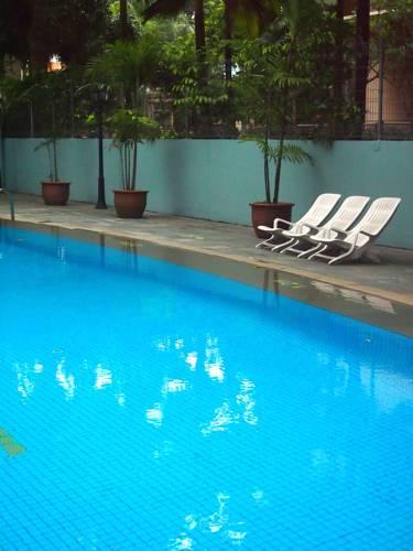 امکانات تفریحی و رستوران های هتل رویال سنگاپور
