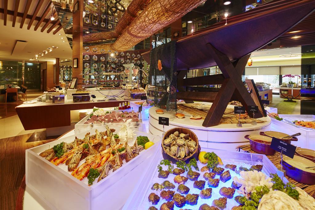 رستوران ها و امکانات تفریحی هتل مارینا مندرین سنگاپور