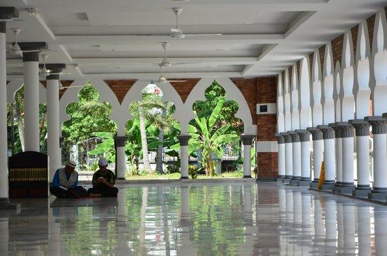معماری مسجد جامع کوالالامپور