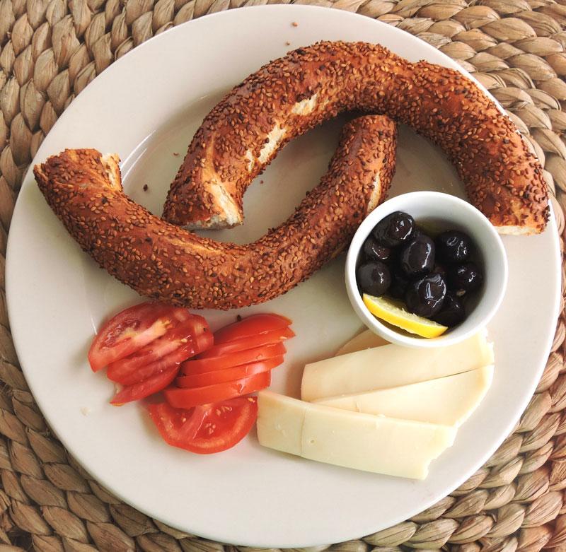 سیمیت از بهترین غذاهای استانبول