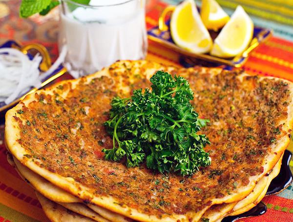 لهمجون از بهترین غذاهای استانبول