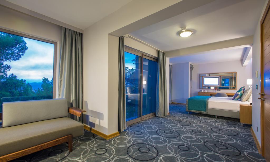 اتاق های هتل پاین بی کوش آداسی