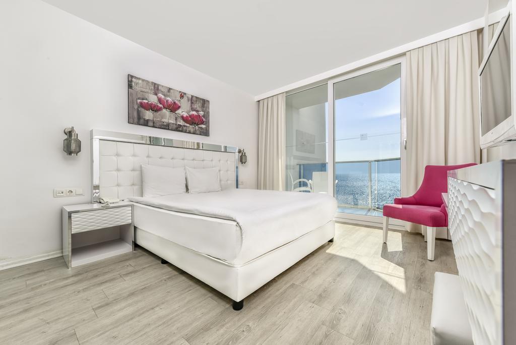 اتاقهای هتل le bleu در کوش آداسی