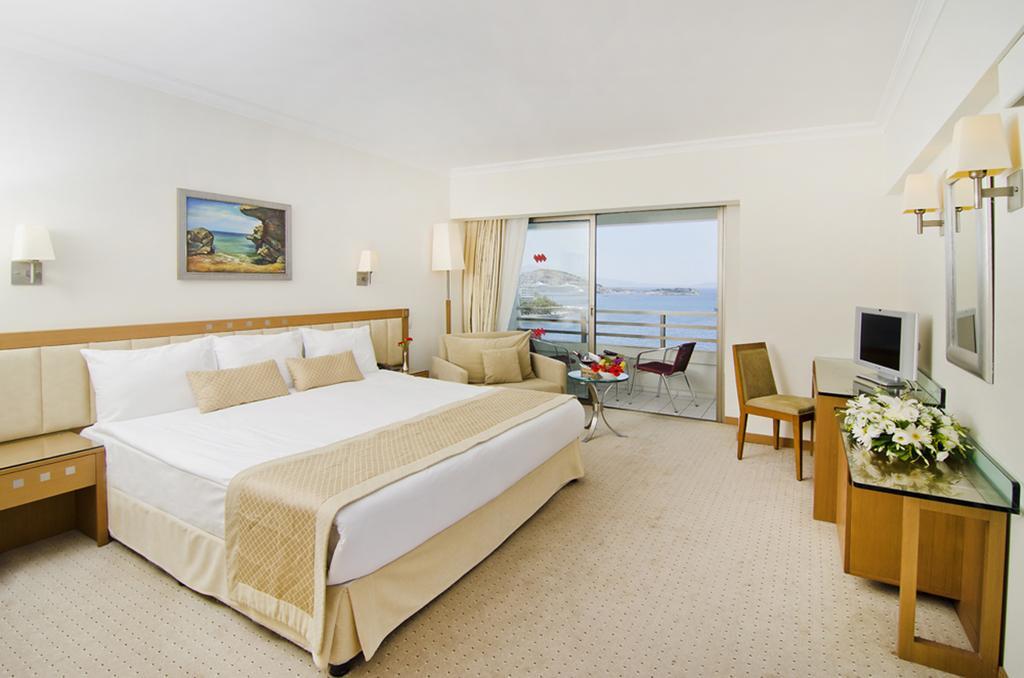 اتاق های هتل کورومار کوش آداسی