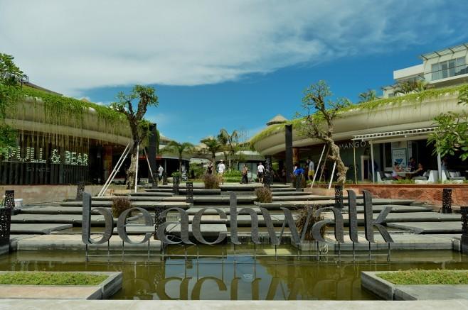 مرکز خرید کاتا بیچ واک بالی
