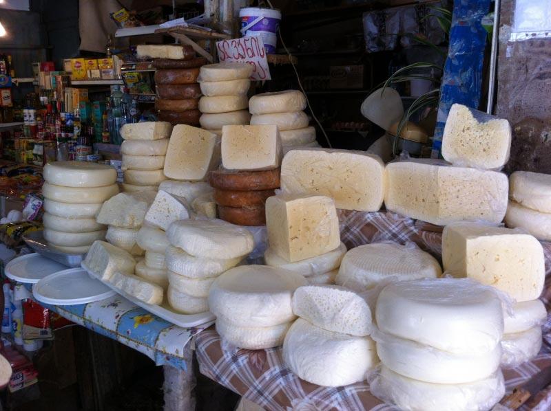 پنیر گرجی از سوغات کشور گرجستان
