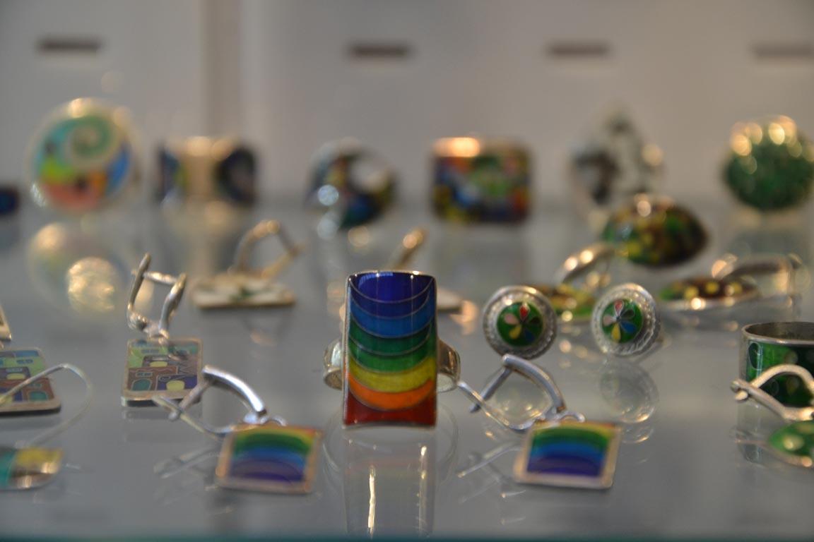 جواهرات نقره از سوغات کشور گرجستان