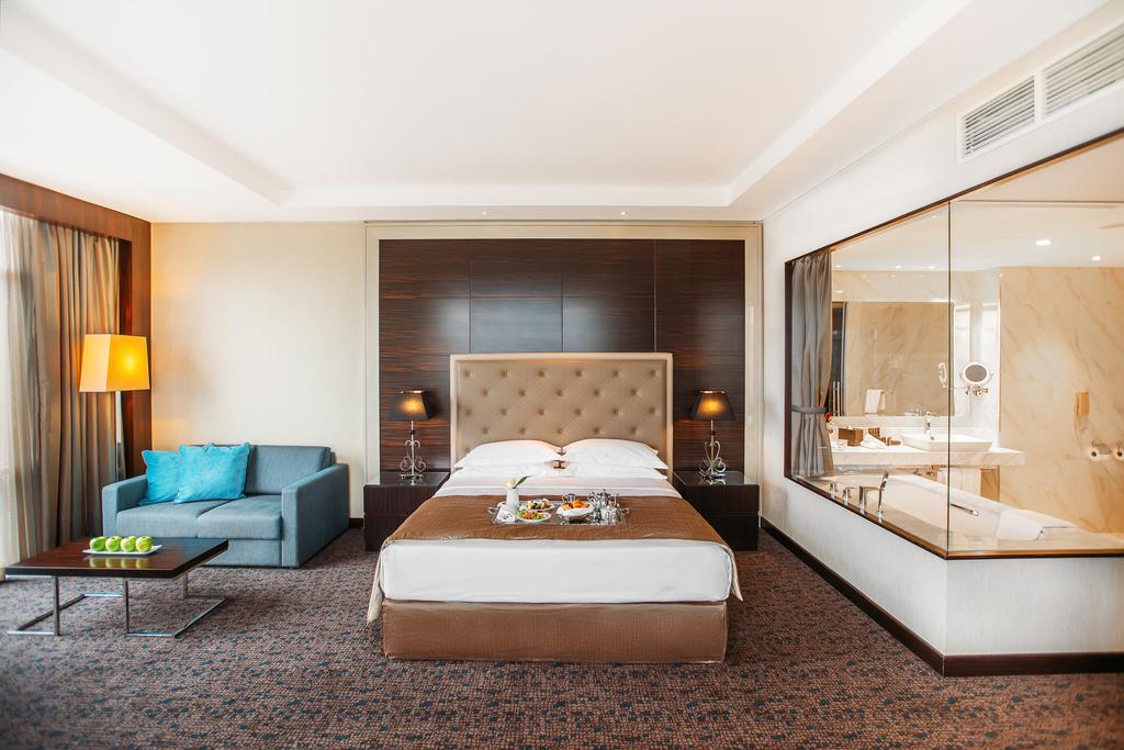 اتاق های هتل پنج ستاره بیلت مور تفلیس گرجستان
