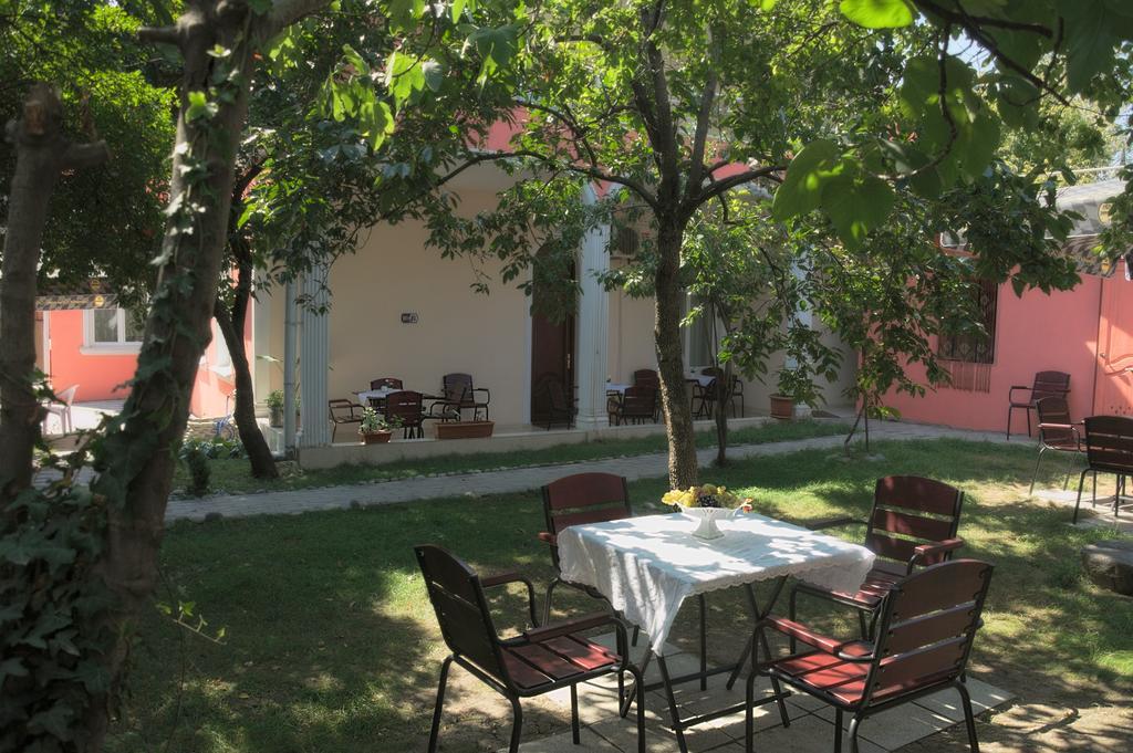 هتل گاردن تفلیس گرجستان