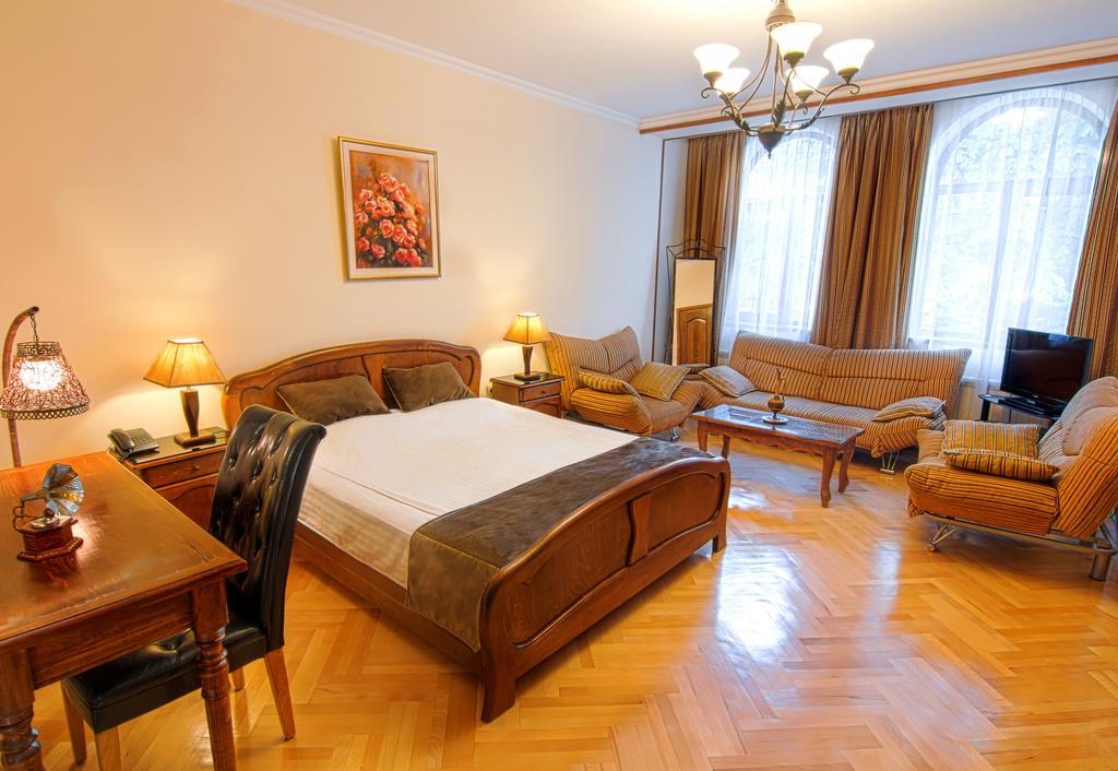 اتاق های هتل بریتیش هوس تفلیس