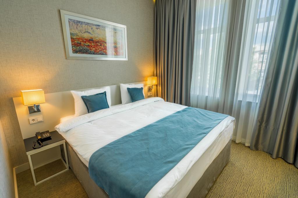 اتاق های هتل سیتی سنتر تفلیس