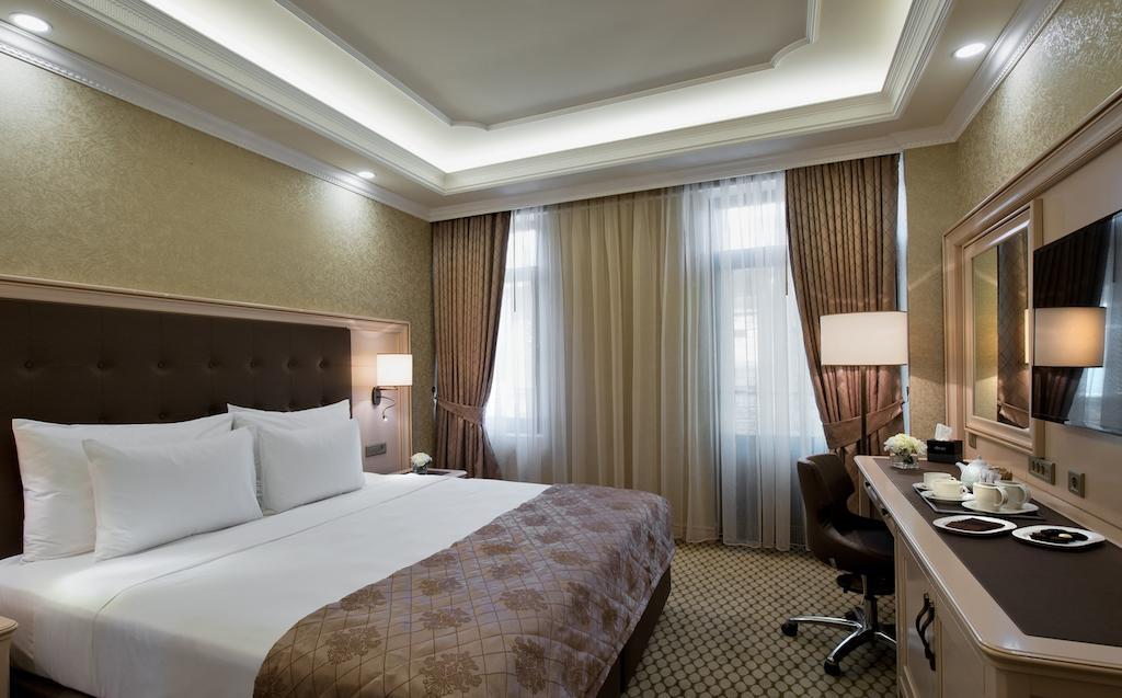 اتاق های هتل دیوان سوئیت باتومی