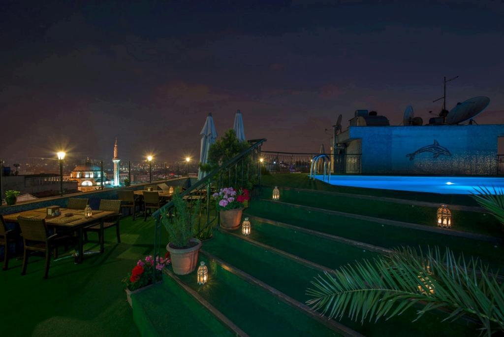 رستوران ها و امکانات تفریحی هتل لاللی گونن استانبول