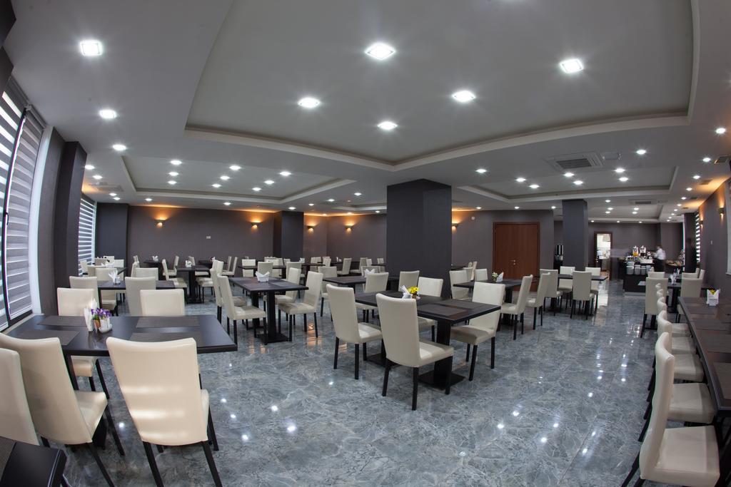 رستورانها و امکانات تفریحی هتل آستوریا تفلیس