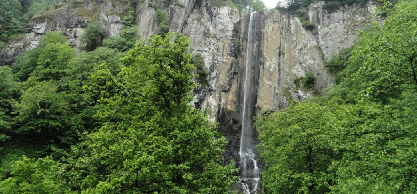 آبشار لاتون گیلان