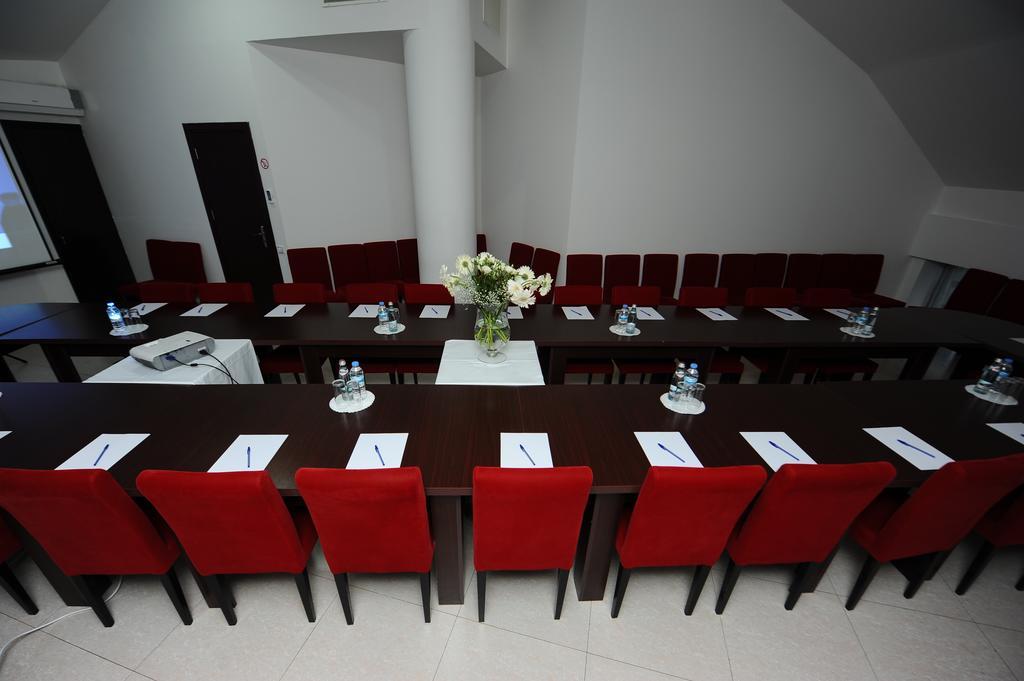 رستوران ها و امکانات تفریحی هتل آیسی باتومی گرجستان
