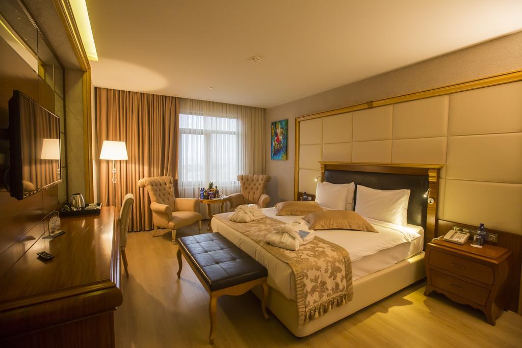 اتاق های هتل ویندهام باتومی