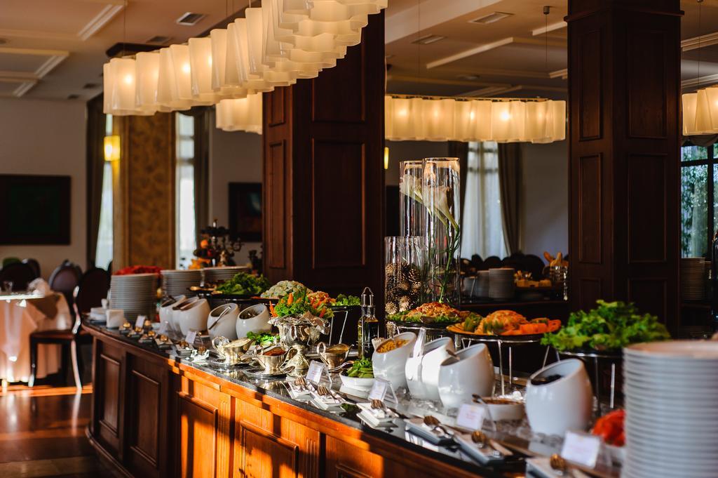 رستوران ها و امکانات تفریحی هتل جورجیا پالاس باتومی
