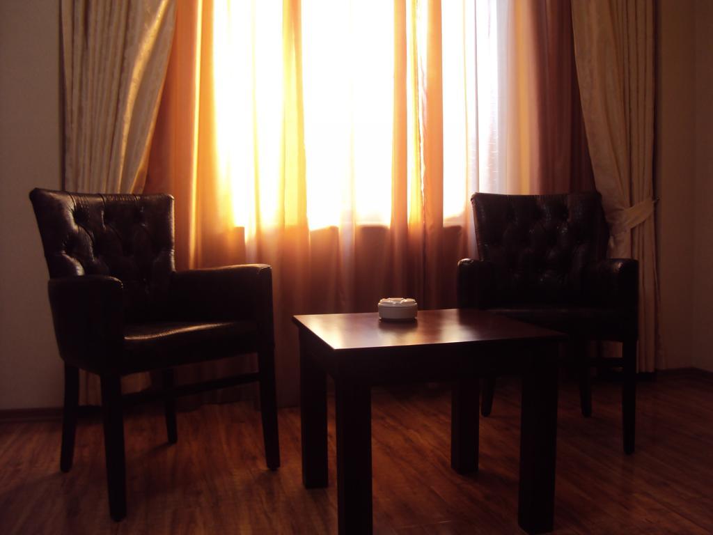 رستوران ها و امکانات تفریحی هتل ارا پالاس باتومی