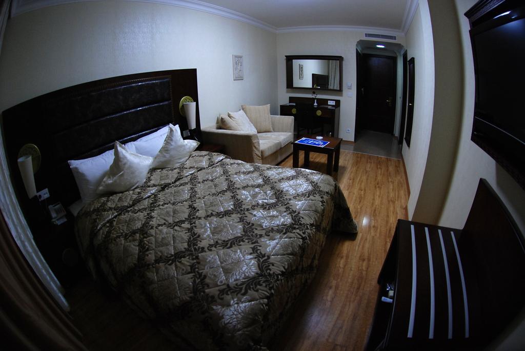 اتاق های هتل ارا پالاس باتومی