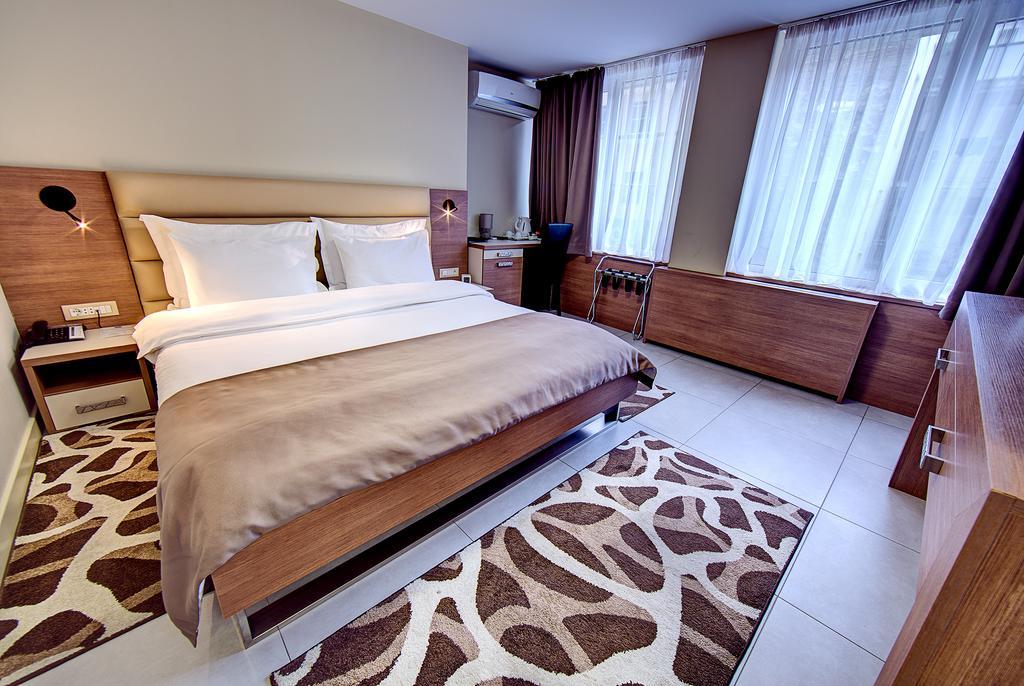 اتاق ها و امکانات رفاهی هتل صربیا گاردن بلگراد