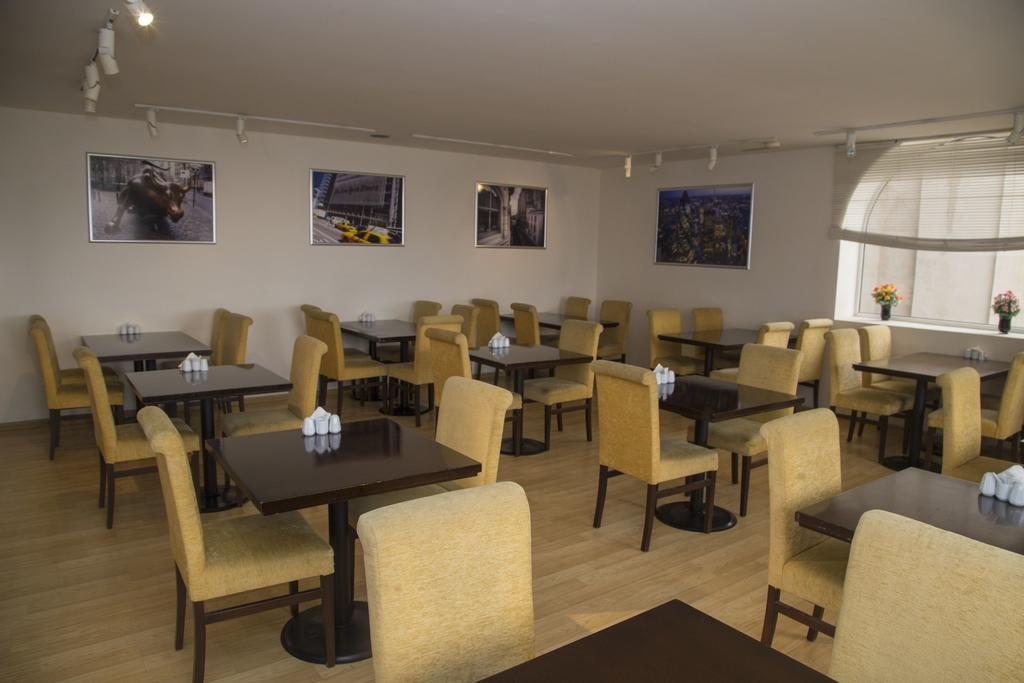 رستوران ها و امکانات تفریحی هتل کاسپین پالاس باکو