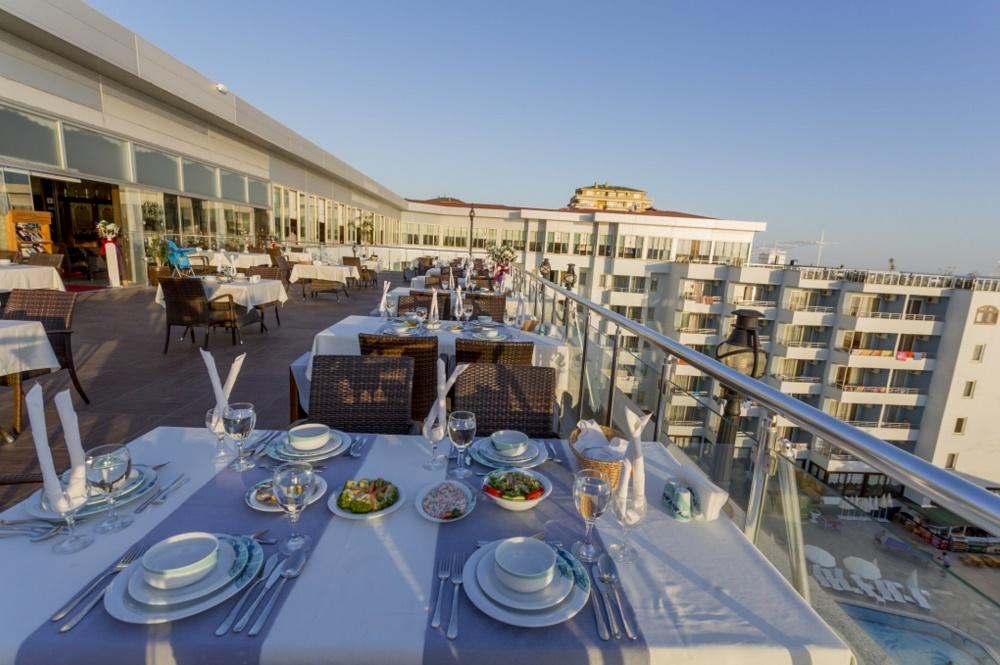 رستوران ها و امکانات رفاهی هتل سانتانا آلانیا