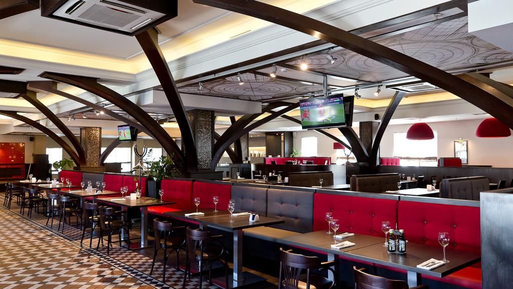 رستوران ها و امکانات تفریحی هتل هالیدی این سن پترزبورگ