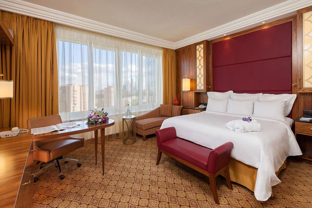 اتاق های هتل رنسانس مسکو