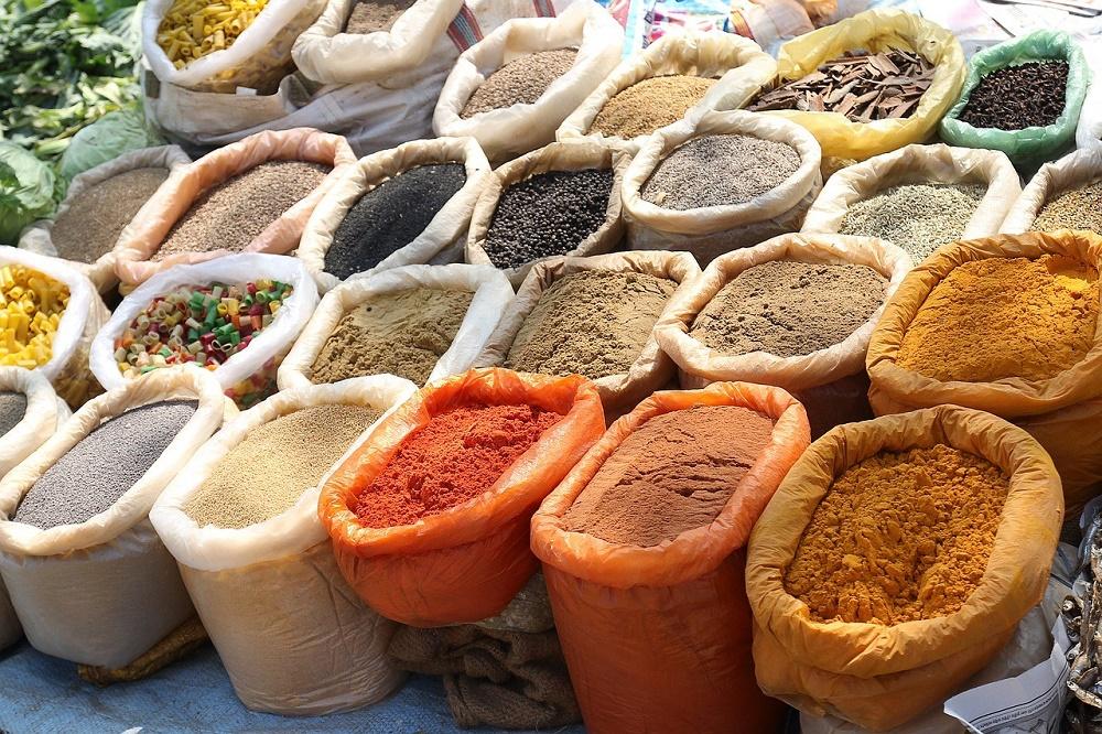 ادویه جات، ترشی و عطرها بهترین از سوغاتی های هند