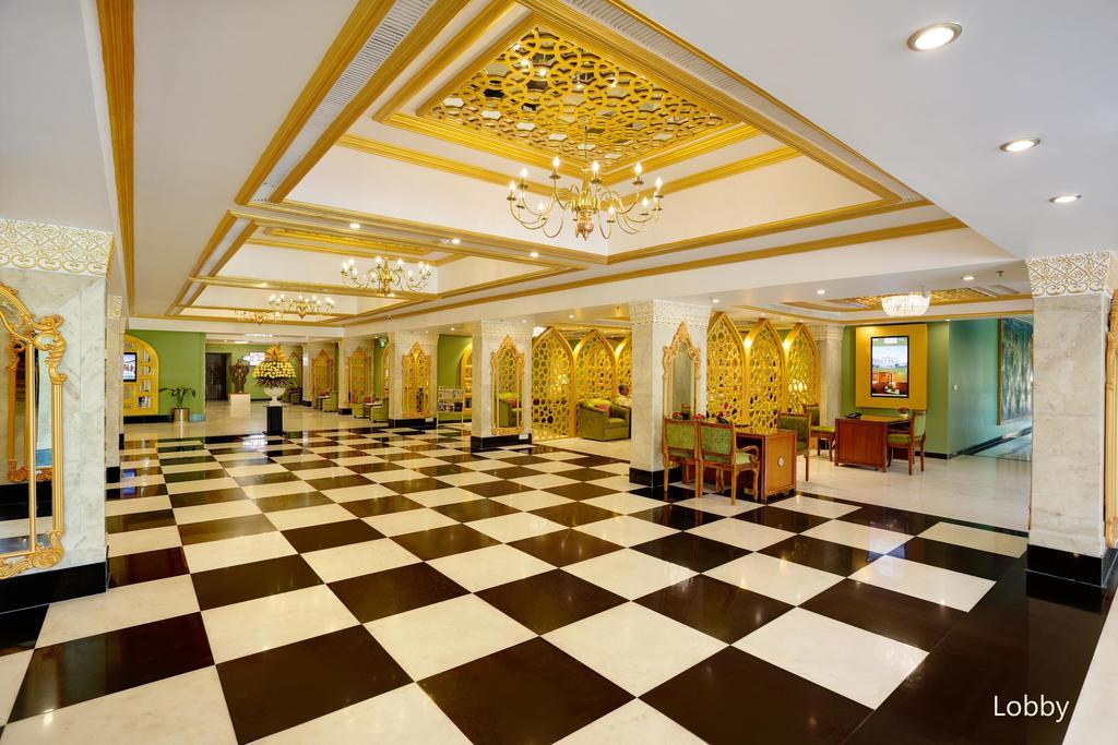هتل کلارکس شیراز آگرا