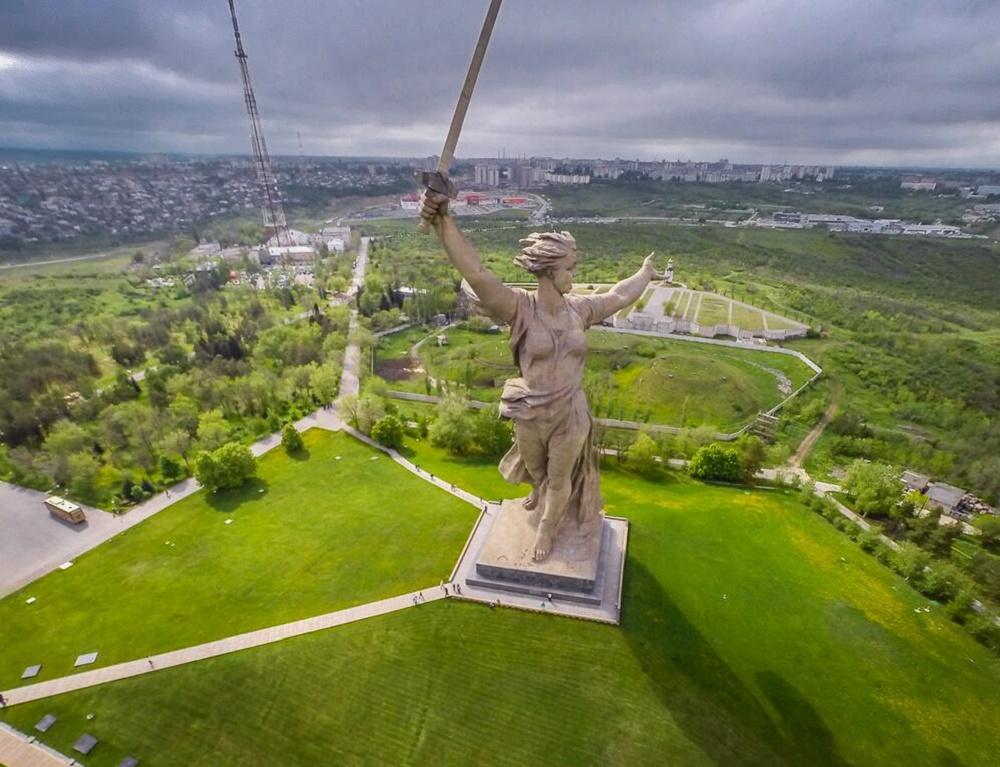 مجسمه مادر میهن روسیه