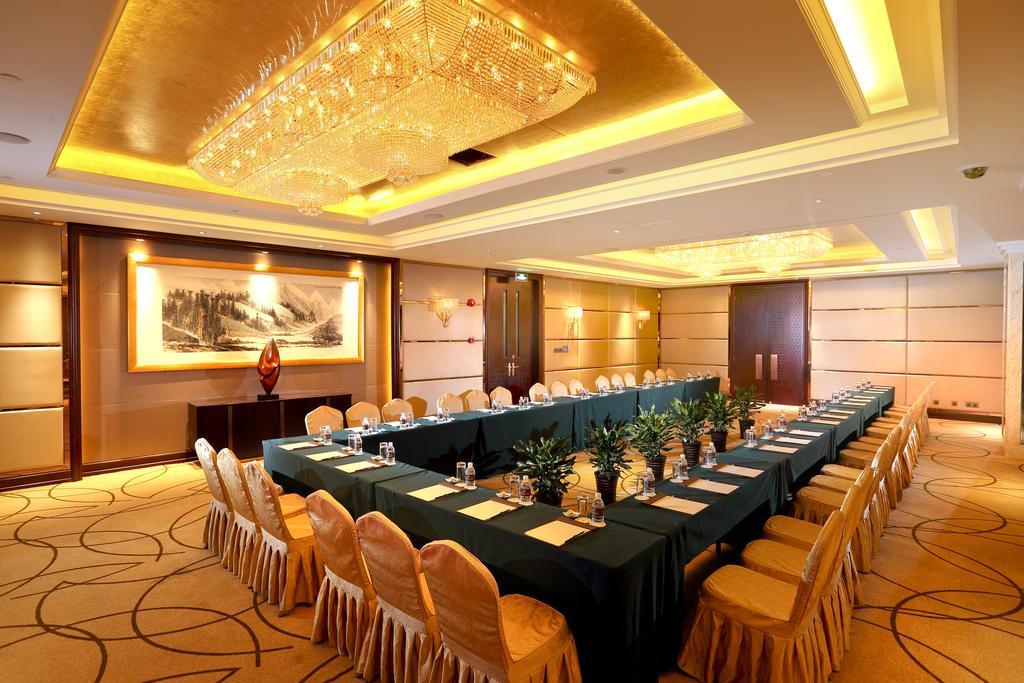 امکانات رفاهی و رستوران های هتل رویال اینترنشنال شانگهای