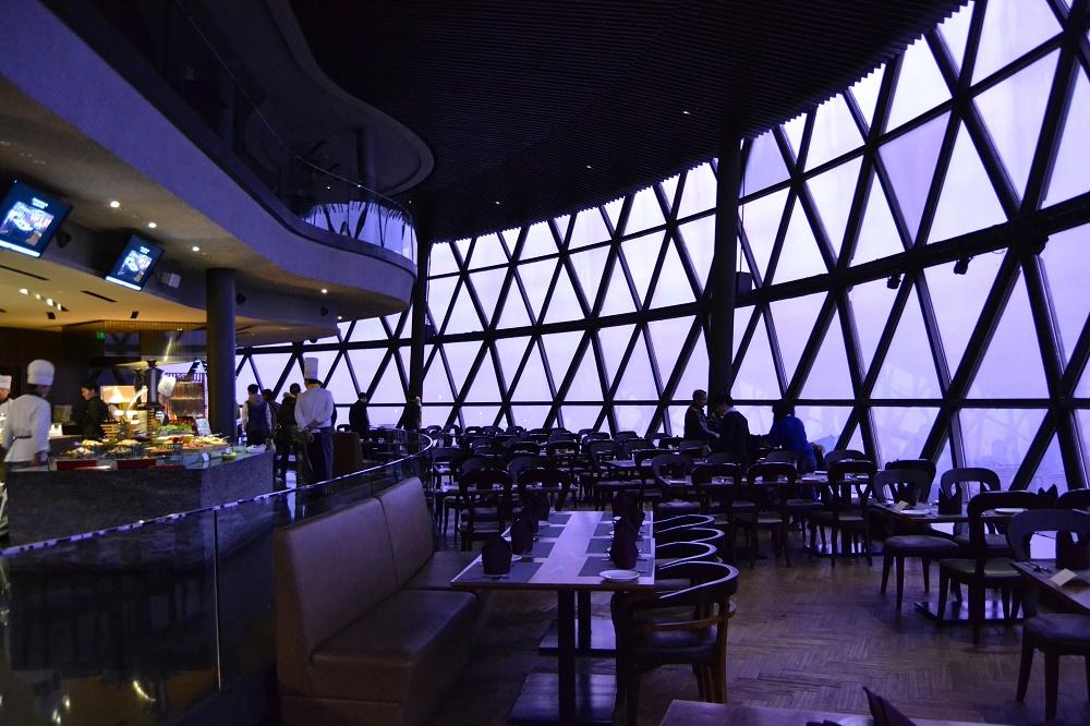 امکانات و جاذبه های برج مروارید شانگهای