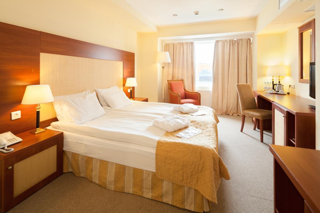 اتاق های هتل سان فلاور پارک مسکو