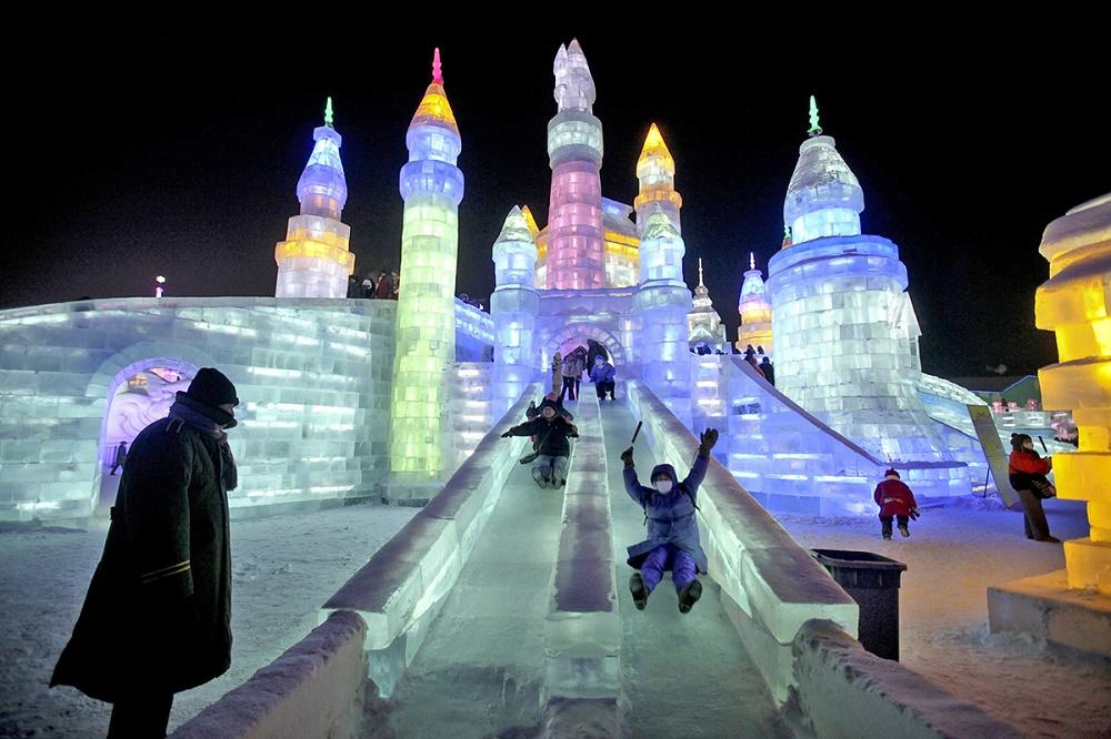 امکانات تفریحی در جشنواره یخ و برف هاربین چین