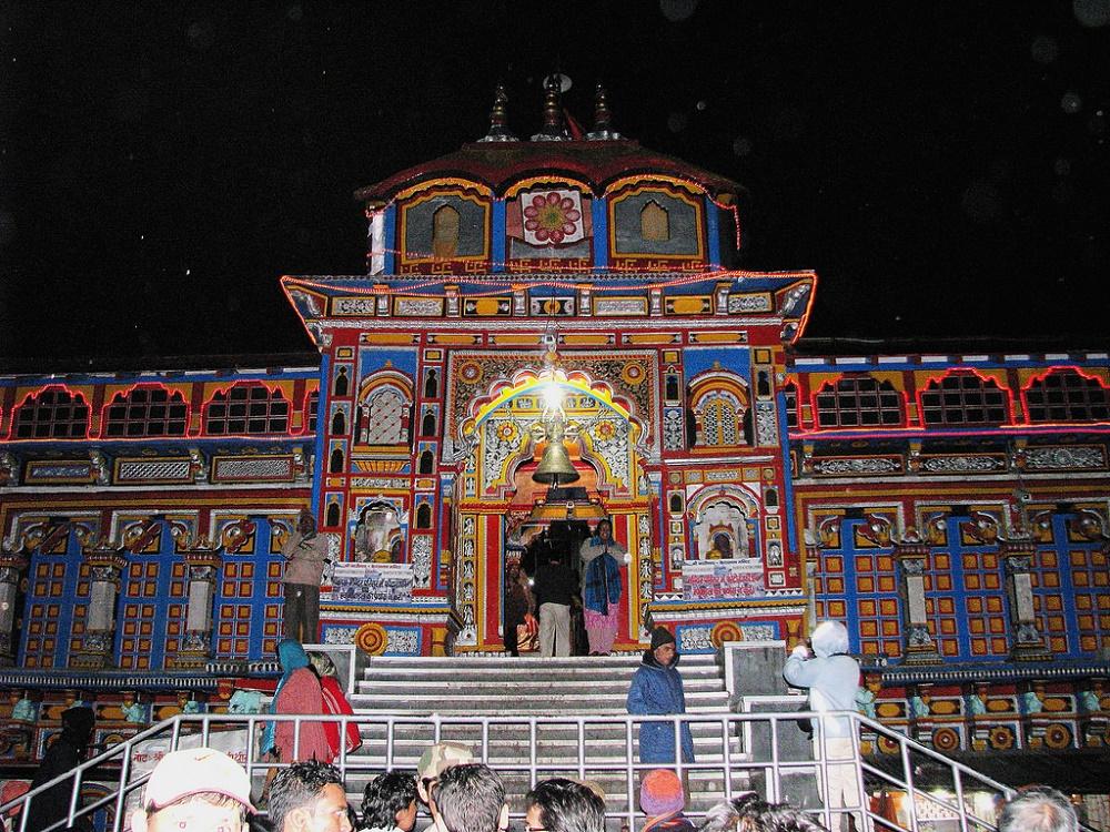ساعات بازدید و دیگر جاذبه های نزدیک به معبد بدرینات هند