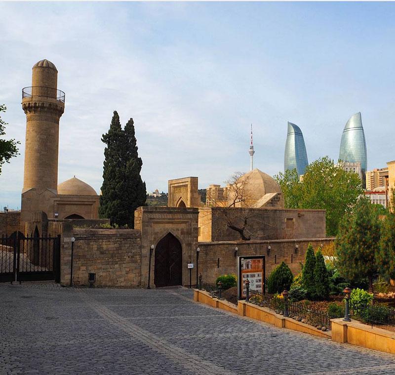 کاخ شیروانشاه