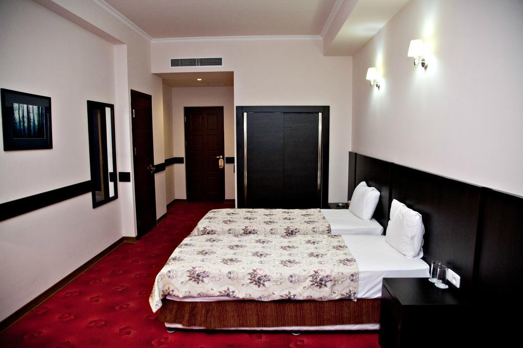 اتاق های هتل رجینه ایروان ارمنستان