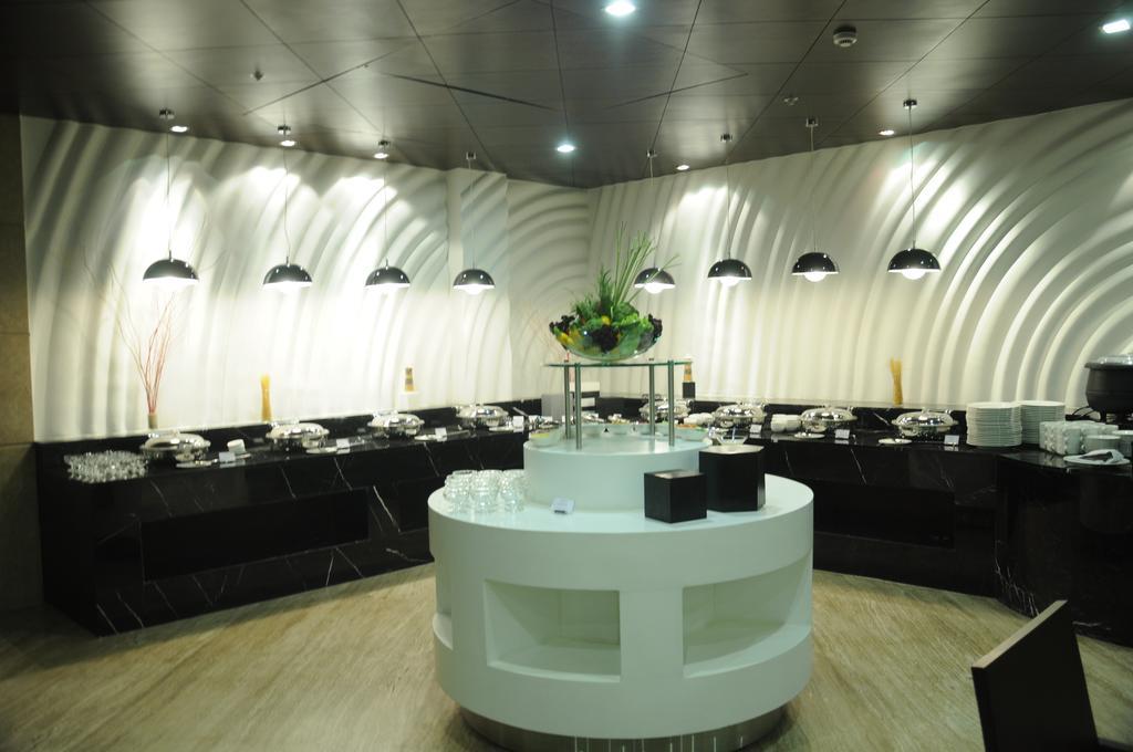 هتل گلدن تولیپ چاتارپور دهلی هند