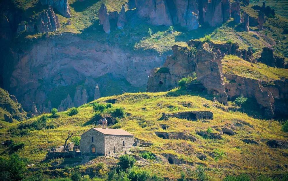 آب و هوای ارمنستان در فروردین
